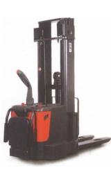 Sollevatore Semovente Elettrico 24v Kg1600 H4600mm Con Pedana
