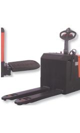 Offerte pazze Comparatore prezzi  Transpallet Semovente Elettrico Con Pedana Kg2000 24v165ah  il miglior prezzo